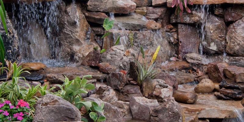 آبشار و آبنما